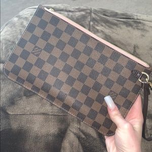 Louis Vuitton Noe Pink Pouchette💞